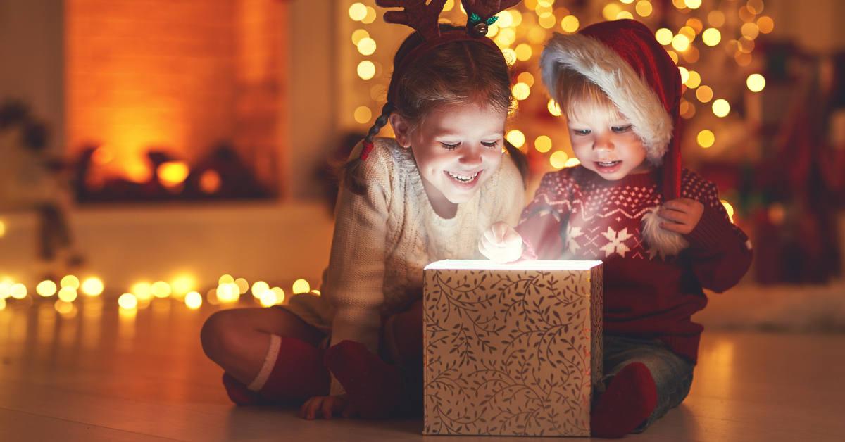 Die Adventsbox ist ein Geschenk für Kinder und Eltern